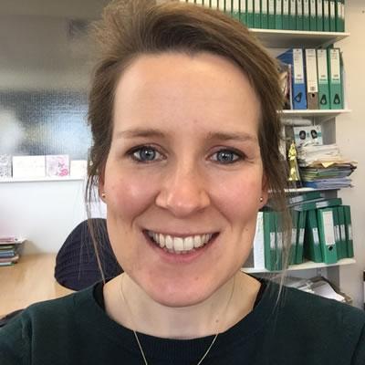 Dr Jen Rundle